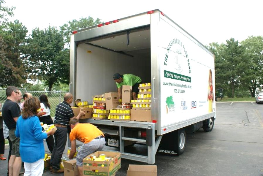How Team Building Helped Microsoft Employees Donate a Truckload of Food