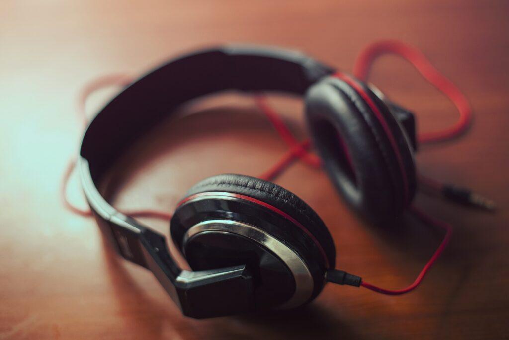 headphones 407190 1920
