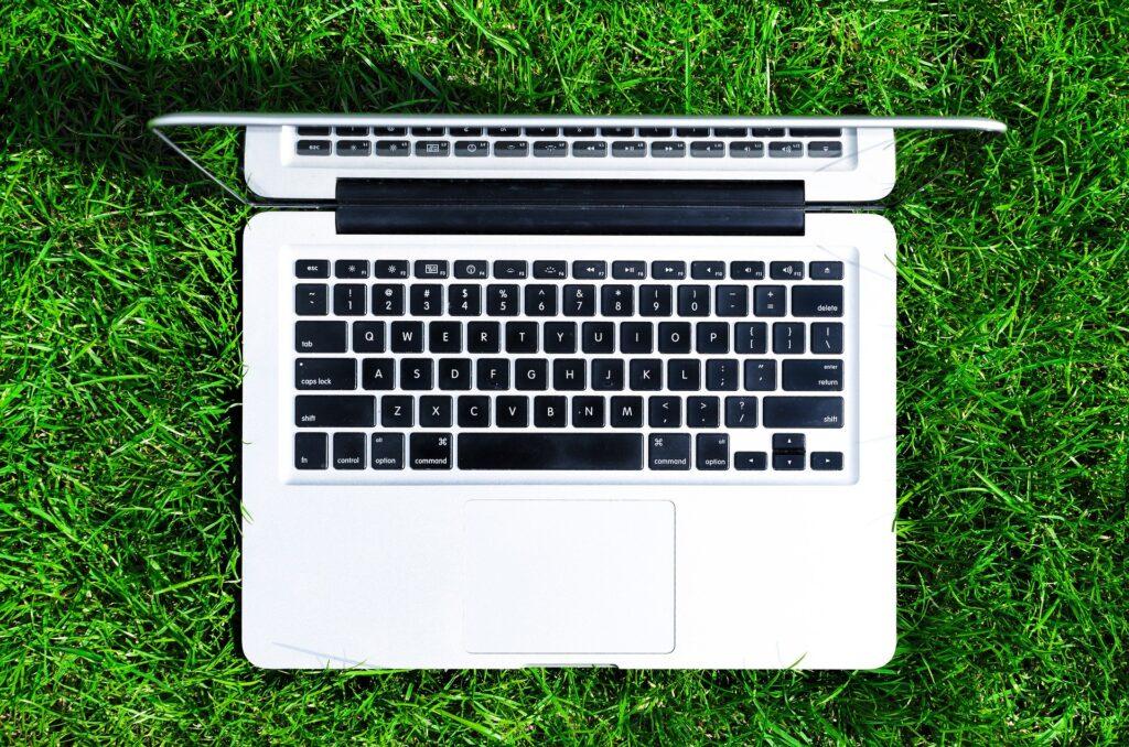 laptop 2056591 1920