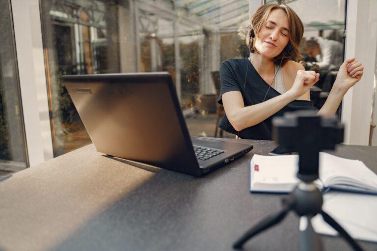 virtual employee engagement image
