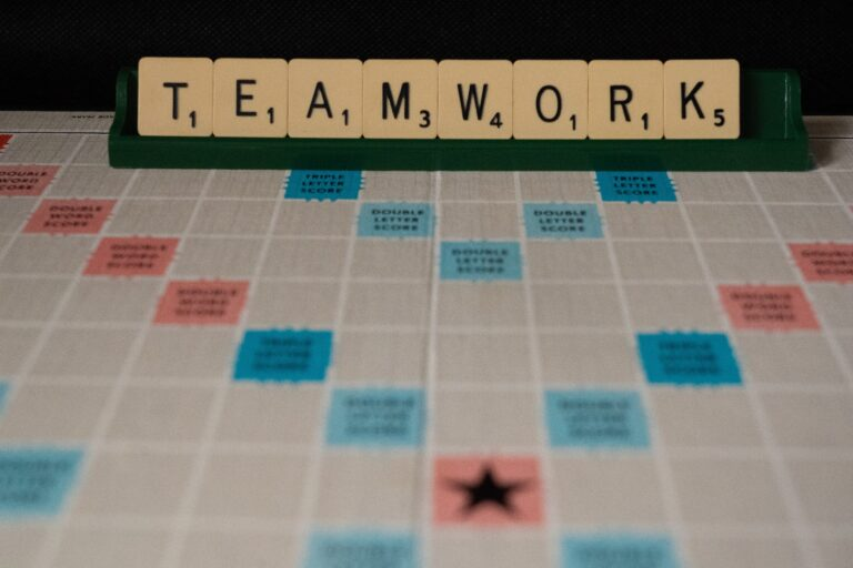 89 Team Building Quotes to Inspire Your Workgroup Featured Image