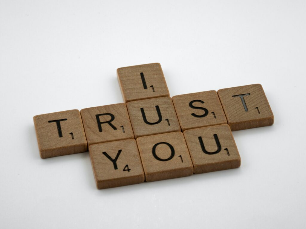 Building-Trust-in-the-Workplace:-9-Steps-for-Creating-a-High-Trust-Company-Culture-Featured-Image